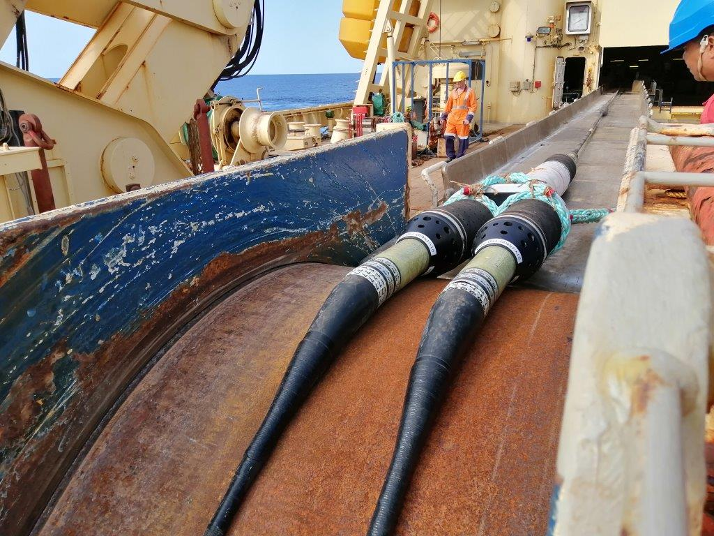 Cable laying at sea 2