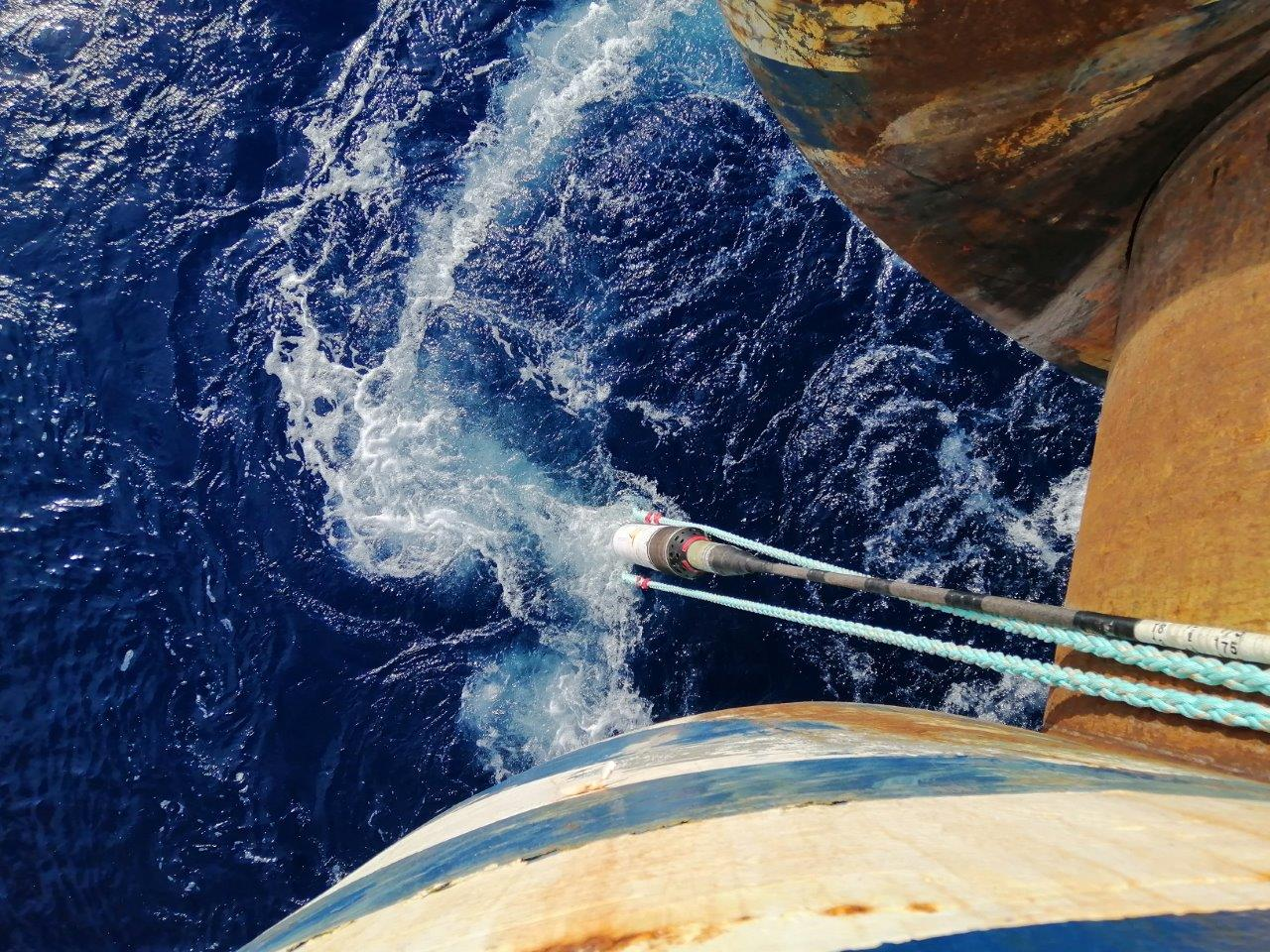 Cable laying at sea 3 (1)